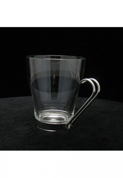 tasse en verre avec anse